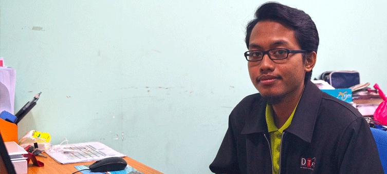 Pengajar Kursus Kemahiran Mekatronik